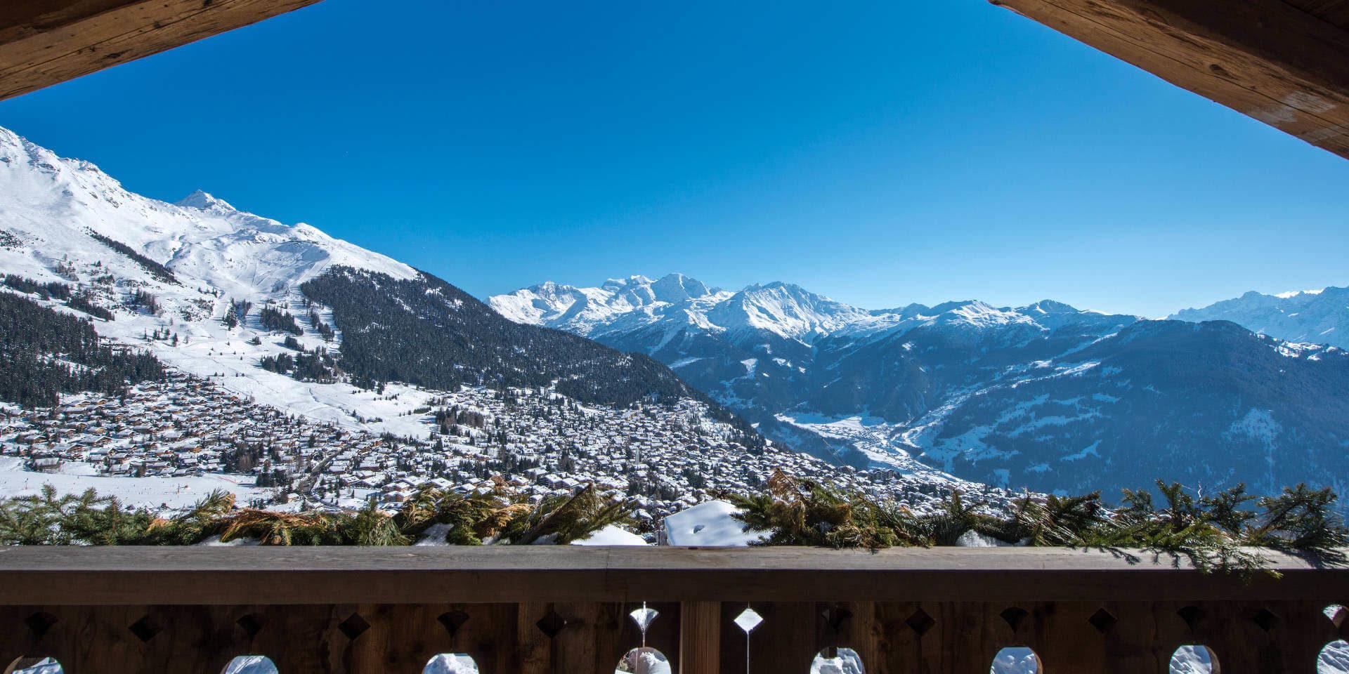 Chalet Nyumba Verbier Les 4 Vallees Zwitserland wintersport skivakantie luxe fantastisch uitzicht balkon dorp sneeuw bergen