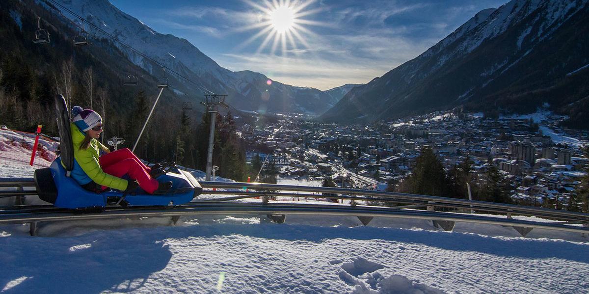 Chamonix Mont Blanc Frankrijk wintersport skivakantie luxe rodelen dorp sneeuw bergen bomen