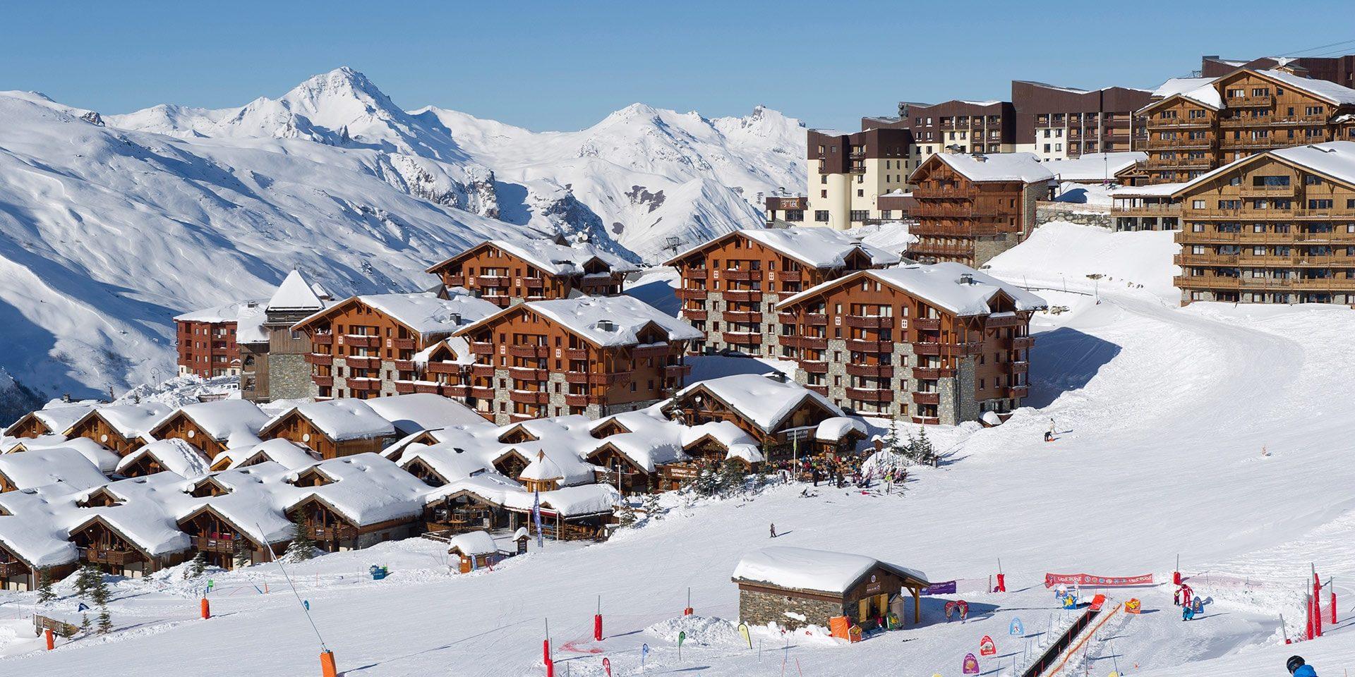 Les Menuires Les 3 Vallees Frankrijk wintersport skivakantie luxe skien piste dorp bergen sneeuw