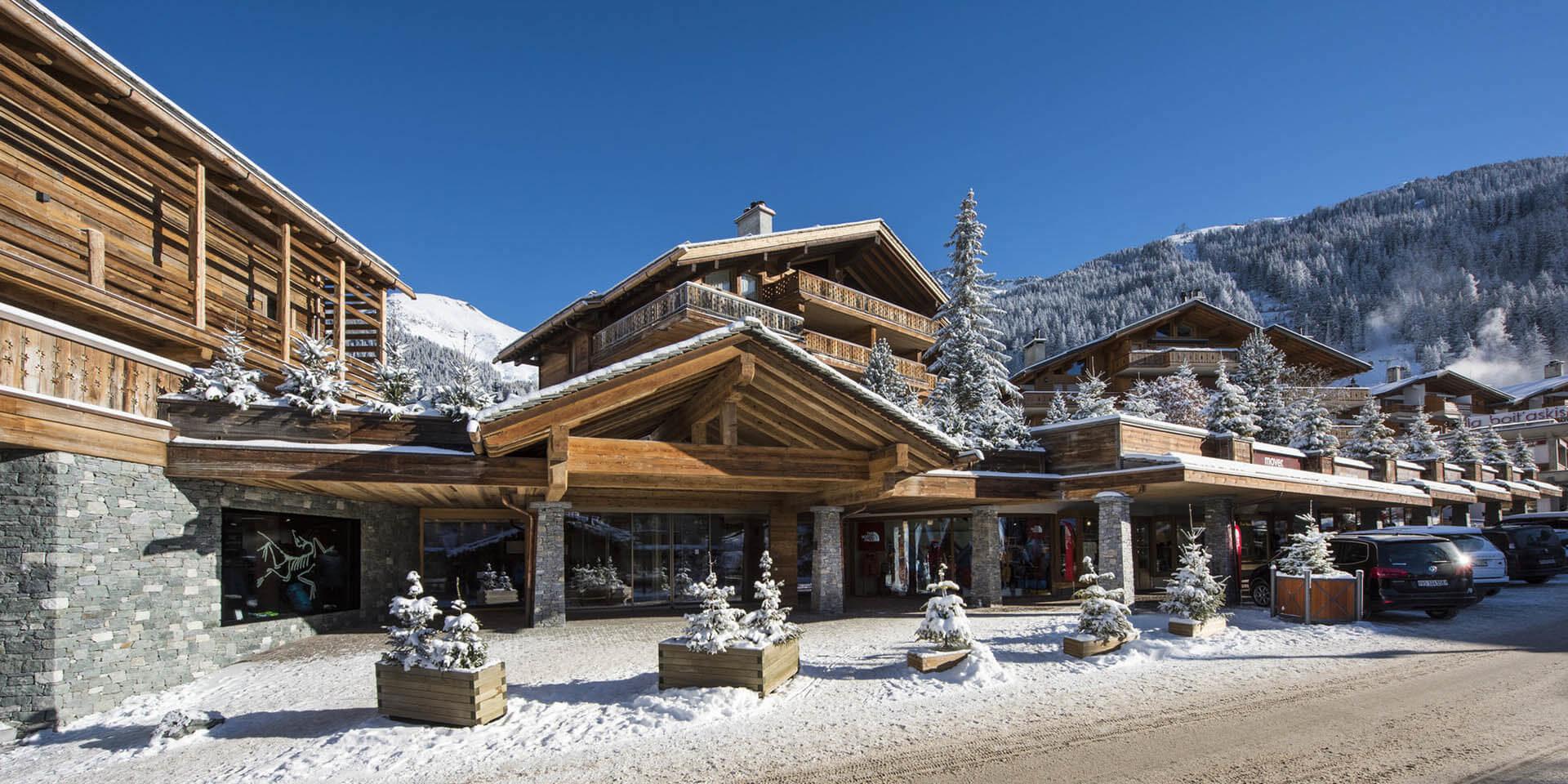 Appartement Rosalp 4 Verbier Les 4 Vallees Zwitserland wintersport skivakantie luxe ligging appartement dorpsplein hartje centrum bergen bomen sneeuw