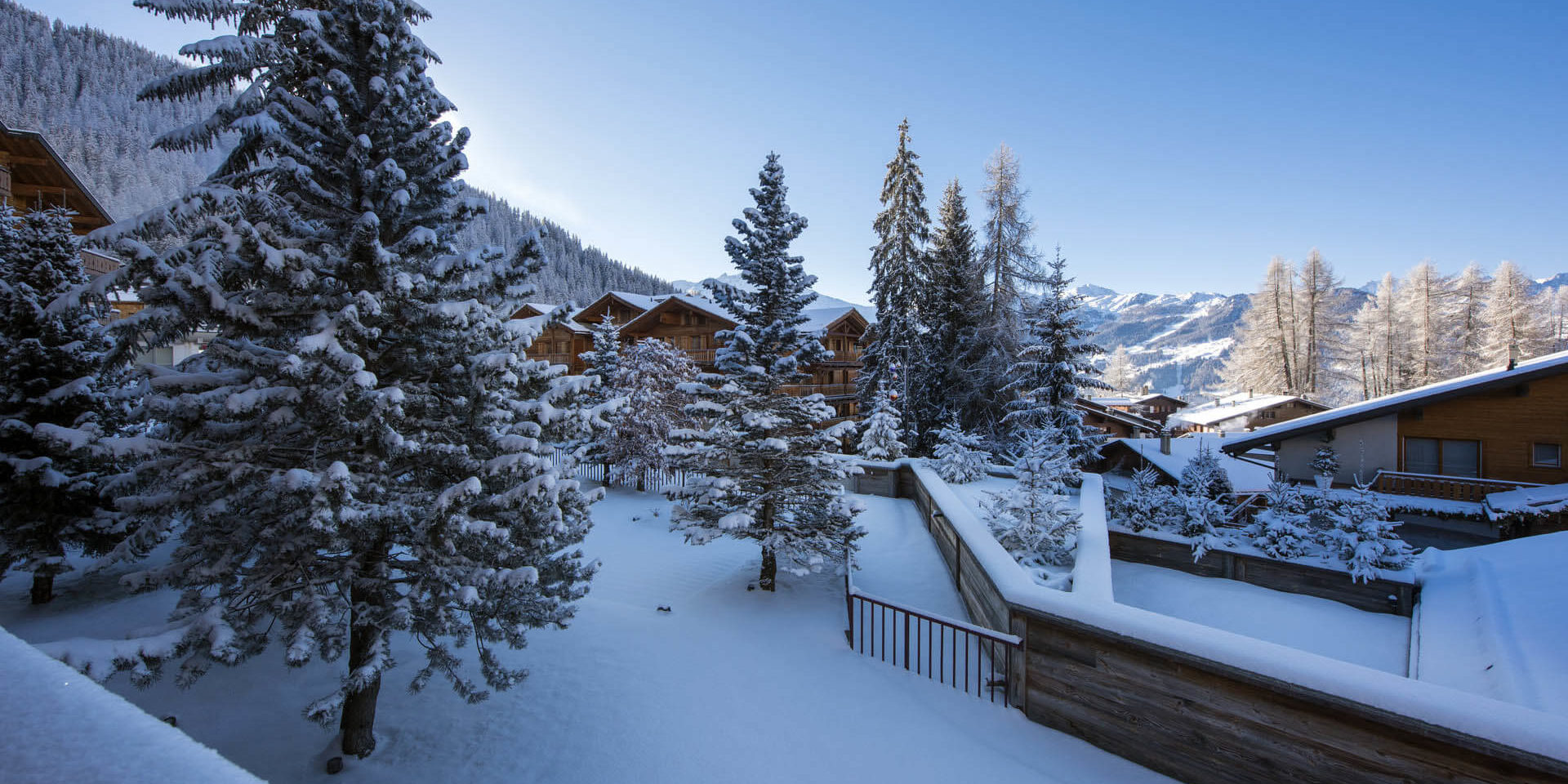 Appartement Rosalp 4 Verbier Les 4 Vallees Zwitserland wintersport skivakantie luxe uitzicht chalets besneeuwde bomen bergen sneeuw