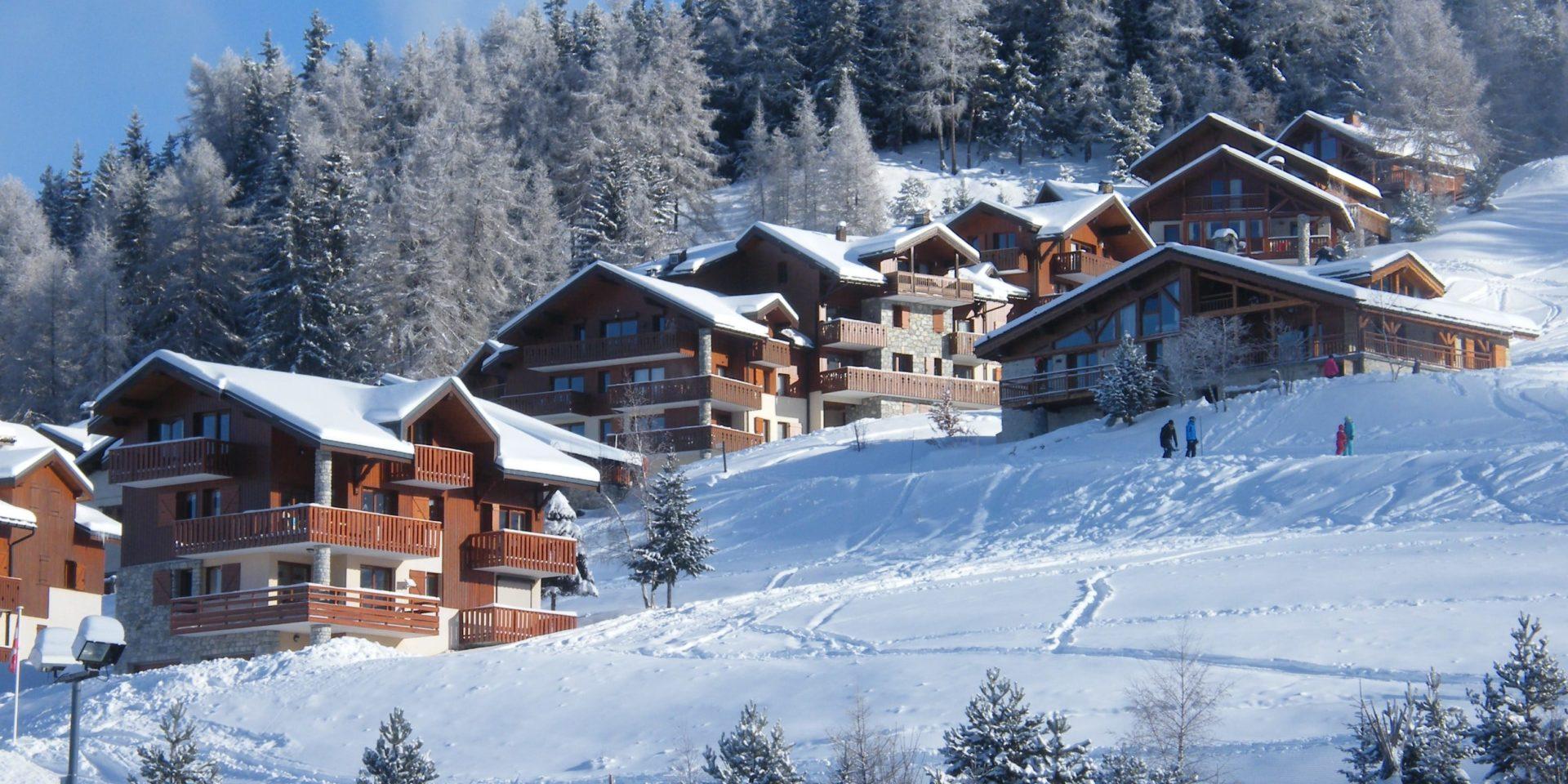 Vallandry Paradiski Frankrijk wintersport skivakantie luxe chalets bomen bergen sneeuw piste skien