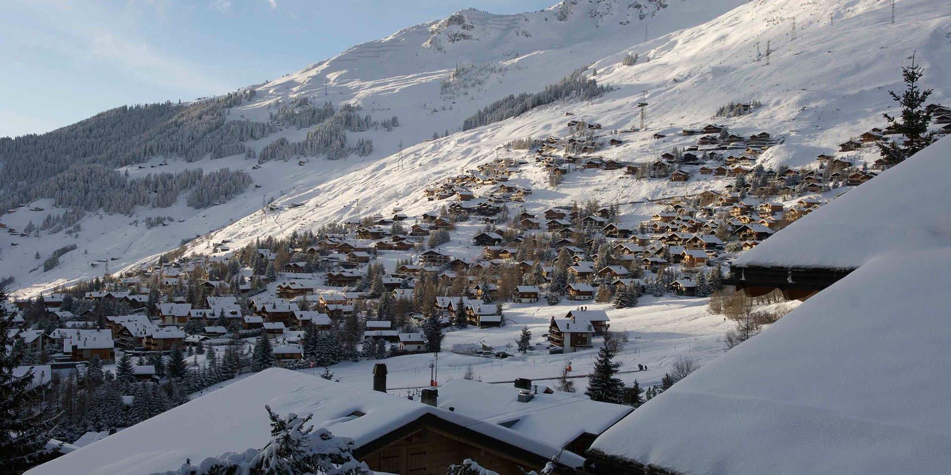 Verbier Les 4 Vallees Zwitserland wintersport skivakantie luxe dorp sneeuw bomen bergen