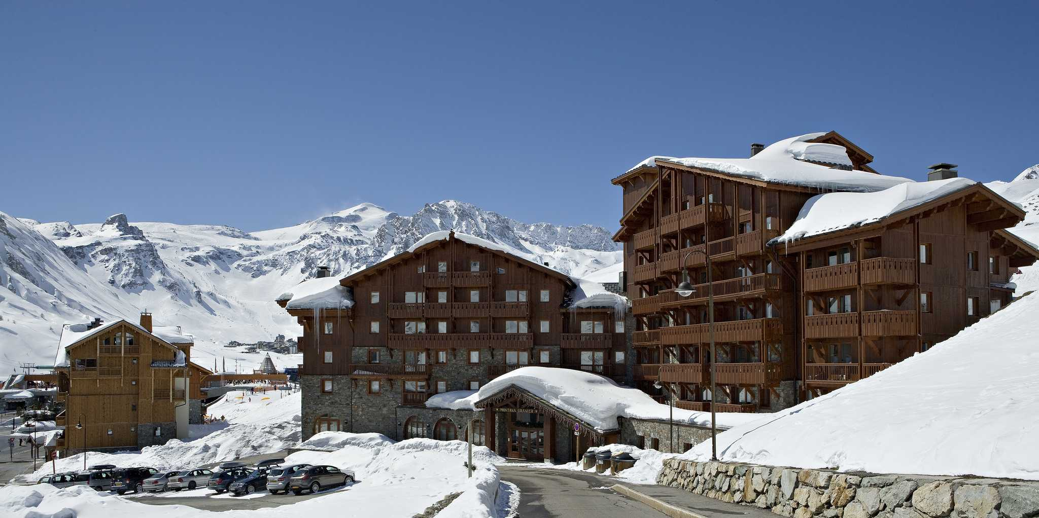 Residences Village Montana Tignes Tignes-Val d'Isere Frankrijk wintersport skivakantie luxe ligging residence Village Montana appartementen besneeuwde bergen sneeuw