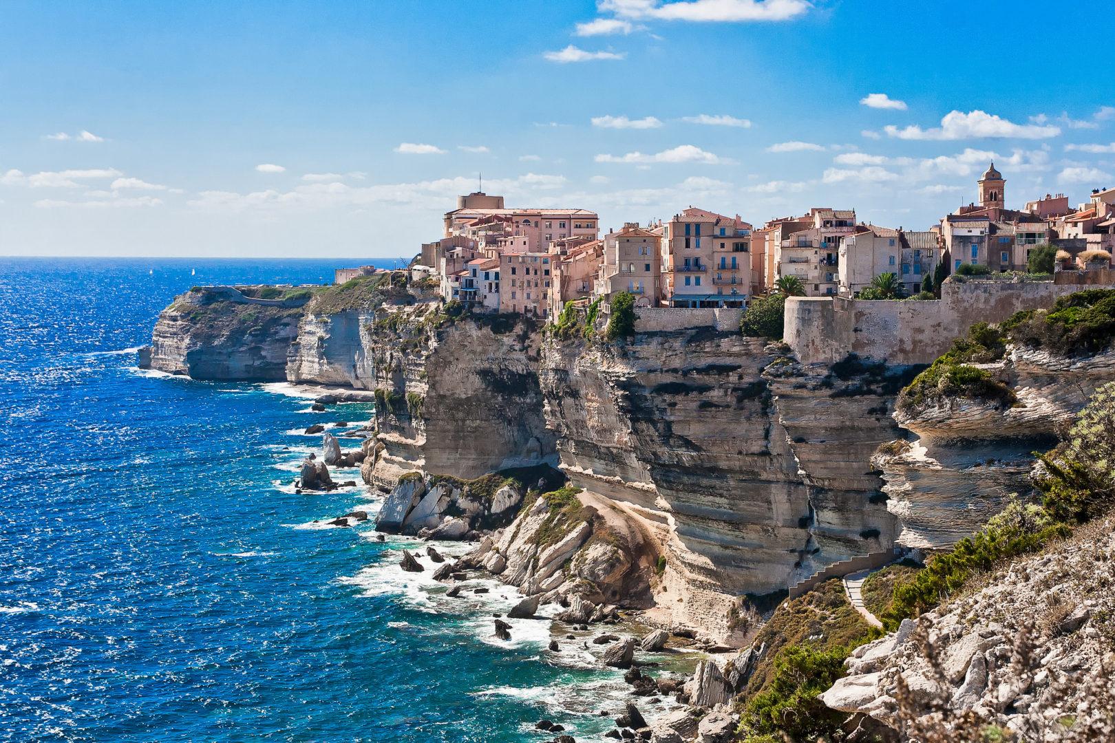Bonifacio Corsica rotsen zee dorp