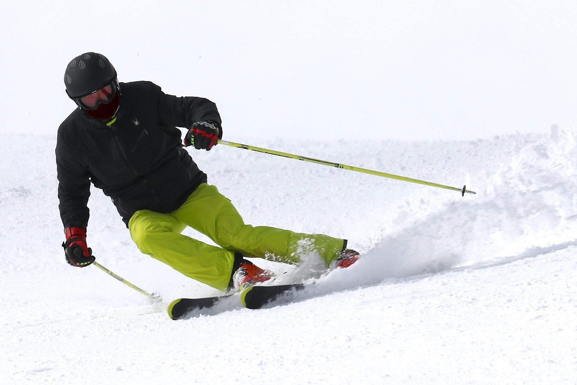 Skipakket skimateriaal wintersportdeluxe